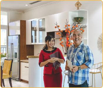 Quốc Thuận tham quan căn hộ Marina Plaza Long Xuyên